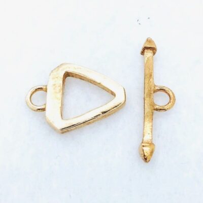 STB7 14x18mm Yellow Bronze Triangular Toggle