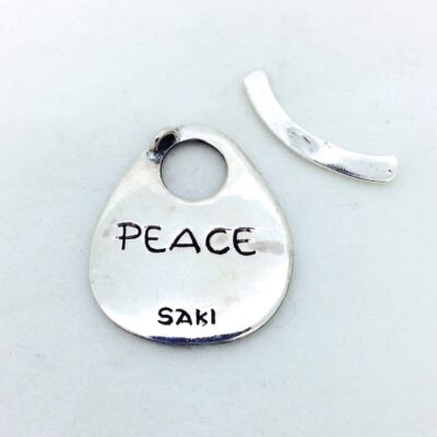 ST142 sterling silver peace toggle