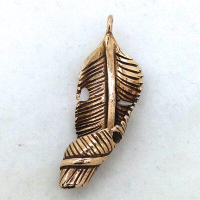 BP30 curled leaf pendant