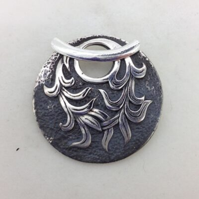 ST135 sterling silver toggle
